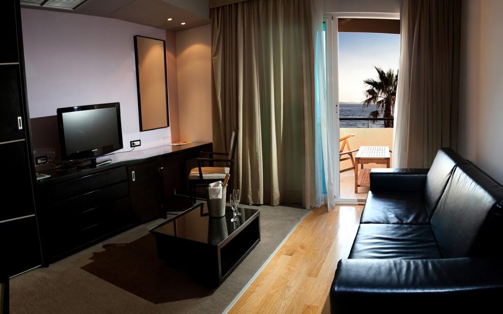 SelectBox_hotel_san_antonio_podstrana_hrvatska_1680x1050px.jpg