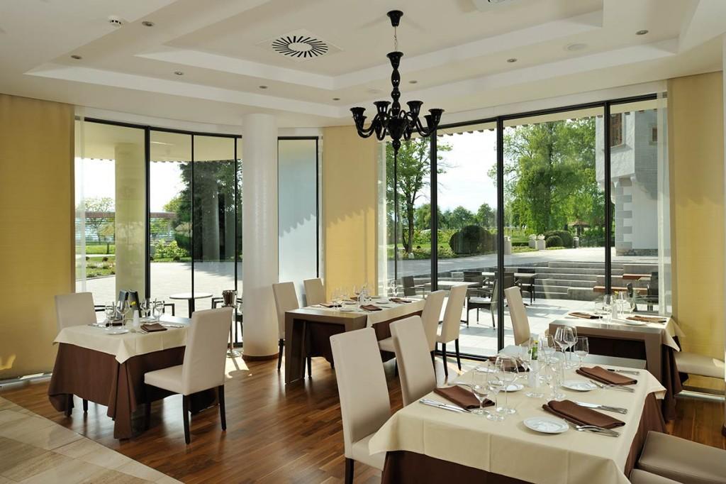 SelectBox_restoran_lambergh_begunje_na_gorenjskem_slovenija_1200x800px.jpg